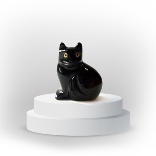Cat animal totem in black onyx, and made in Peru, symbolizing intuition and autonomy